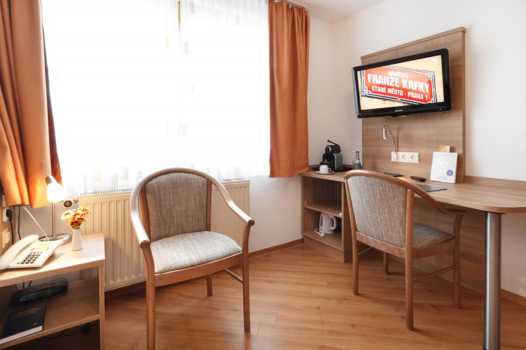 ... Komfort Einzelzimmer Mit Großem Fernseher Im Hotel Pension Stern Bad  Buchau.